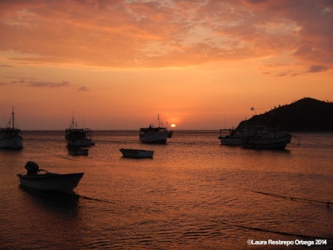 sunset taganga