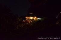 comedor de el cantil en la noche