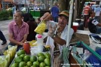 el señor del mango biche con sal y limón