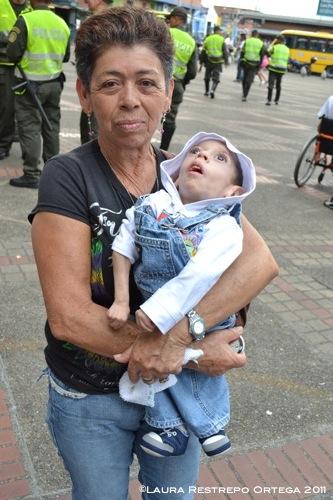 Gladys Pamplona, con su bisnieto de 6 años, Joser Esteban Castaño Suárez