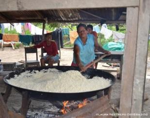 cocinando la farinha