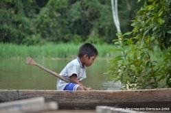 Dylan en la canoa