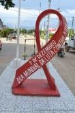 monumento día mundial del SIDA, frontera Tabatinga-Leticia