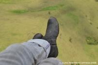 13-botas volando