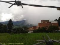 tormenta entre el alambre