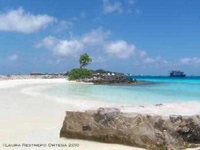 12 gaagandu beach