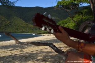 bahia concha - guitarra, montañas