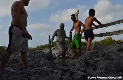 volcan de lodo - gente 2
