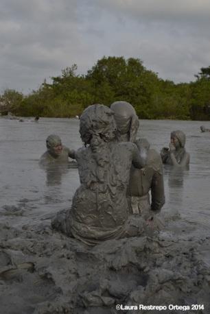 volcan de lodo - masaje