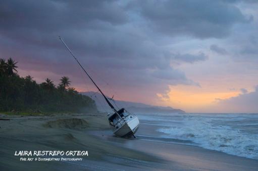 COL34-Guachaca sunset shipwreck